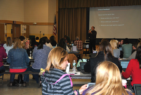 photo of G. Lichtman working with Warwick teachers