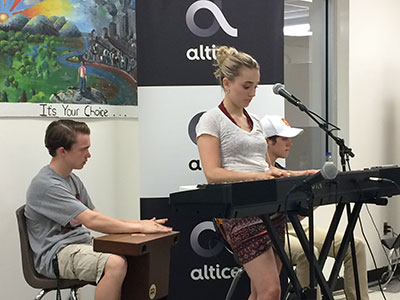 WVHS student musicians entertain at Empty Bowls '18